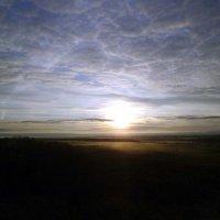 Восход Солнца осенью над Вымью :: Николай Туркин