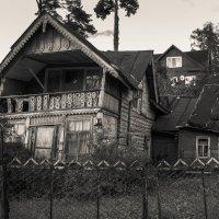 Хорошо иметь домик в деревне :: Рома Григорьев
