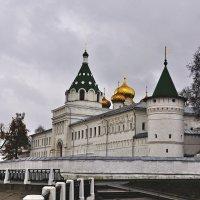 Кострома. Монастырь. :: Юрий Воронов