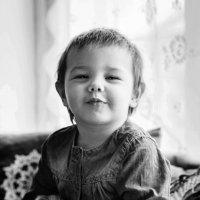 Настёнка улыбается :: Елена Лебедева