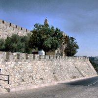 Стены старого города... :: Валерий Баранчиков