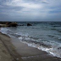 Вот и море! Вот оно волною, гальками прибрежными шуршит... :: Людмила