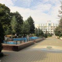 Батайск. На площади Ленина :: Нина Бутко