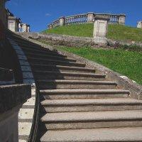 Лестница в саду Венеры. Петергоф (Санкт-Петербург, Петродворцовый район) :: Павел Зюзин