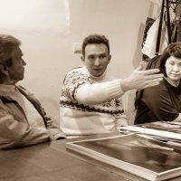 Дискуссия в фотоклубе :: Николай Мезенцев