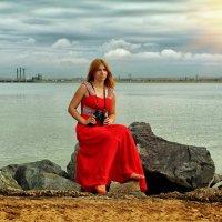 Девушка в красном :: Дмитрий Конев