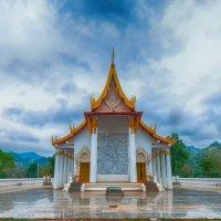 Храм буддистов. :: saratin sergey