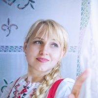 У окна :: Olga Zhukova