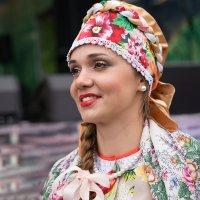 Увлекла казачка казака. Так вот получается. :: Ирина Данилова