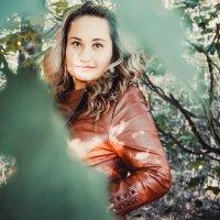 в лесу :: Yana Odintsova