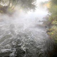 Октябрьские мотивы бурной реки....2 :: Андрей Войцехов