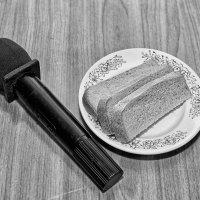 Ужин ди джея, любезно предоставленный администрацией кафе :: Дмитрий Конев