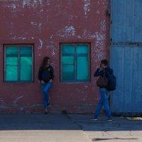 Мальчик с девочкой гулял :: Александр Табаков