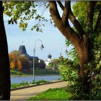 На набережной реки Великой :: Fededuard Винтанюк