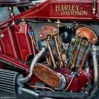 Урбанометрия. Harley в городе. :: Евгений Верещагин