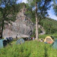 Наш лагерь под скалой... :: АЛЕКС