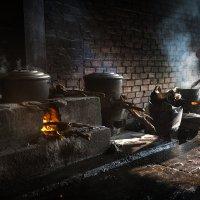Кухарка на Камбоджийском рынке :: Владимир Чернышев