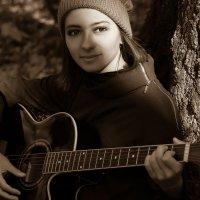 Девушка с гитарой :: Марина Коноферчук
