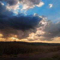 Осень пришла,небо ожило! :: Евгений Якубсон