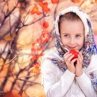 Осенняя фотопрогулка с очаровательной Викторией :: Александра Гилета