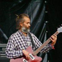 Я гитару настрою на лирический лад... :: Tatiana Markova
