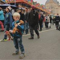 Мальчик с драконом и крабом :: Elen Dol