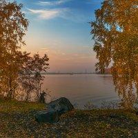 Осенний вечер :: vladimir Bormotov