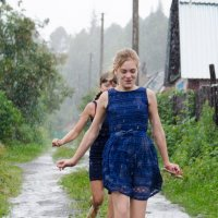 Девушки и дождь. :: Лариса Сливина