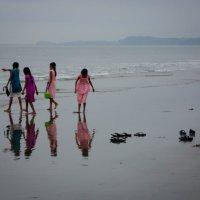 Девочки и море :: Elen Dol