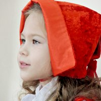 Красная шапка........... :: Елена Сухова