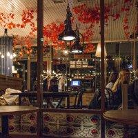 В кафе уютном пили кофе... :: Ирина Данилова