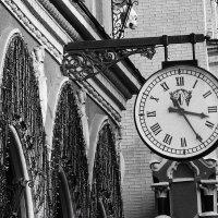 Старинные часы... :: Владимир Бровко