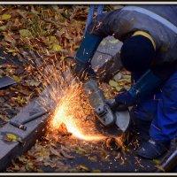 Попытка поджечь листву :: Асылбек Айманов