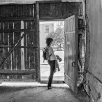 Я встречу себя на улице, в подворотне около дома :: Ирина Данилова