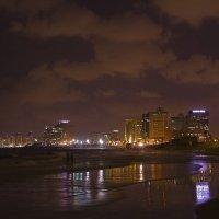 Побережье. Ночной Тель-Авив. :: Larisa