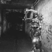 Не ходи по тёмным переулкам. :: Billie Fox