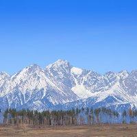 Осенние саянские горы :: Александр Кобзев