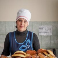 Алеся, повелительница пирожков и булочек! :: Андрей Печерский