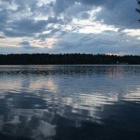 Закат над озером :: Сергей Щеглов