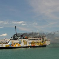 По морю идет пароход... :: Алексей Ярошенко