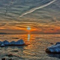 Зимний вечер на Черном море :: Виктор Мороз