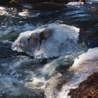 Первые морозы на горной реке :: Александр Попов