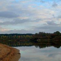 Осень,река... :: Юрий Анипов