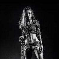 Девушка с гитарой :: Алексей Галкин