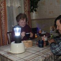 Когда снег обрывает провода. :: Николай Масляев