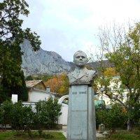 Крым-Памятник Ю.Гагарину в Форосе :: Александр Костьянов