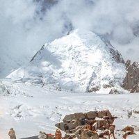 Лагерь на леднике Витковского :: Евгений Леоненко