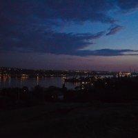 О необъятной глубине и безграничности неба можно судить только на море да в степи ночью :: Надежда Стригина