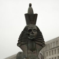 Шемякинский сфинкс.. :: Владимир Питерский