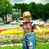 Счастье есть… Я его знаю… Знаю цвет его глаз,его смех… И оно зовет меня мамой! :: Наталья Александрова
